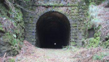 わが国に残る最古の煉瓦トンネル-鐘ヶ坂隧道